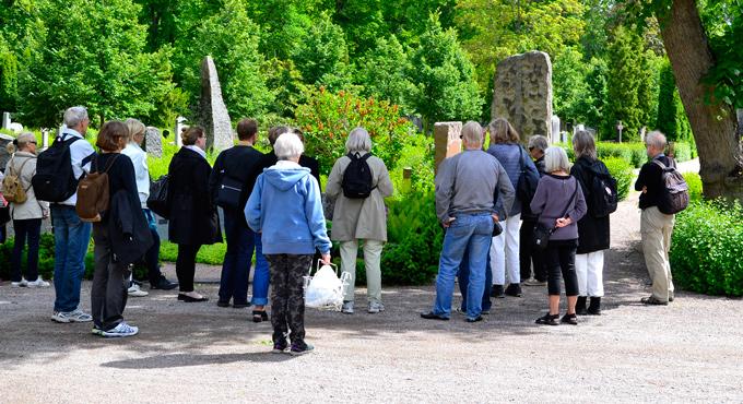 Guidade kyrkogårdsvandringar
